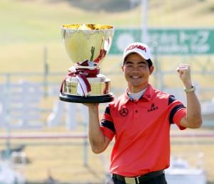 今季、男子国内開幕戦、チャンピオンに輝いた梁津満(中国)=東建ホームメイト杯、三重・東建多度CC名古屋
