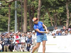 成田美寿々も2日目、最終日と60台でヘリムを追撃したが・・。