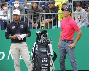 小平智(左)と石川遼(右)。今季は国内ツアーを引っ張る二人だ。(昨年11月、三井住友VISA太平洋=静岡・太平洋クラブ御殿場)