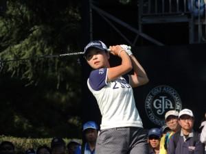 プレーオフ決戦で敗れ永峰咲希にツアー初Vをプレゼントした菊地絵理香。プレーオフは4戦全敗。 しかし今季は2位が2回で賞金ランク5位と好調を続けている。