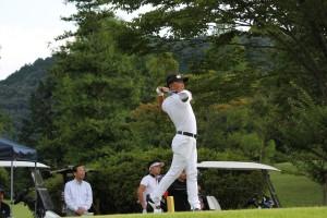 昨年度(H29)全日本ミッドアマ・ゴルファーズ選手権に優勝者した谷本伊知郎氏(高松)のショット(栃木・イーストウッドCC)